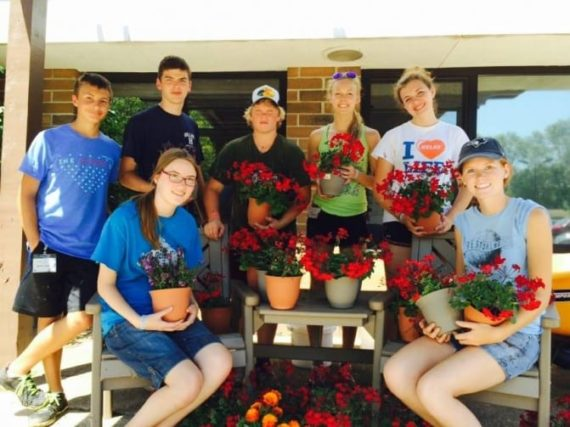 summer mission trips students   Youth Unlimited Teen Service Trips
