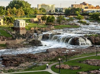 Youth Unlimited SERVE Teen Summer Mission Trips | Sioux Falls, South Dakota