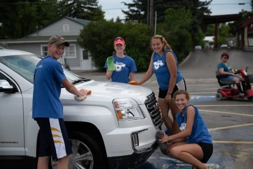 Car wash fundraiser for mission trips